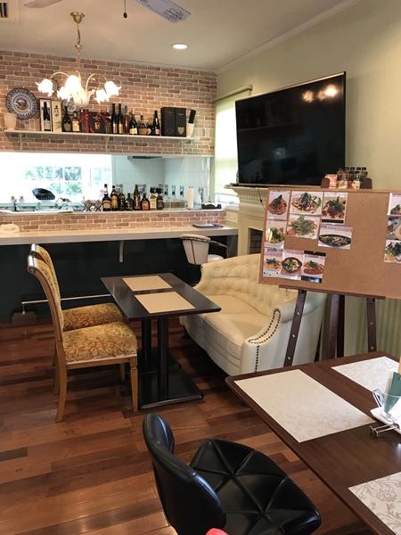 カフェ リーフの店内