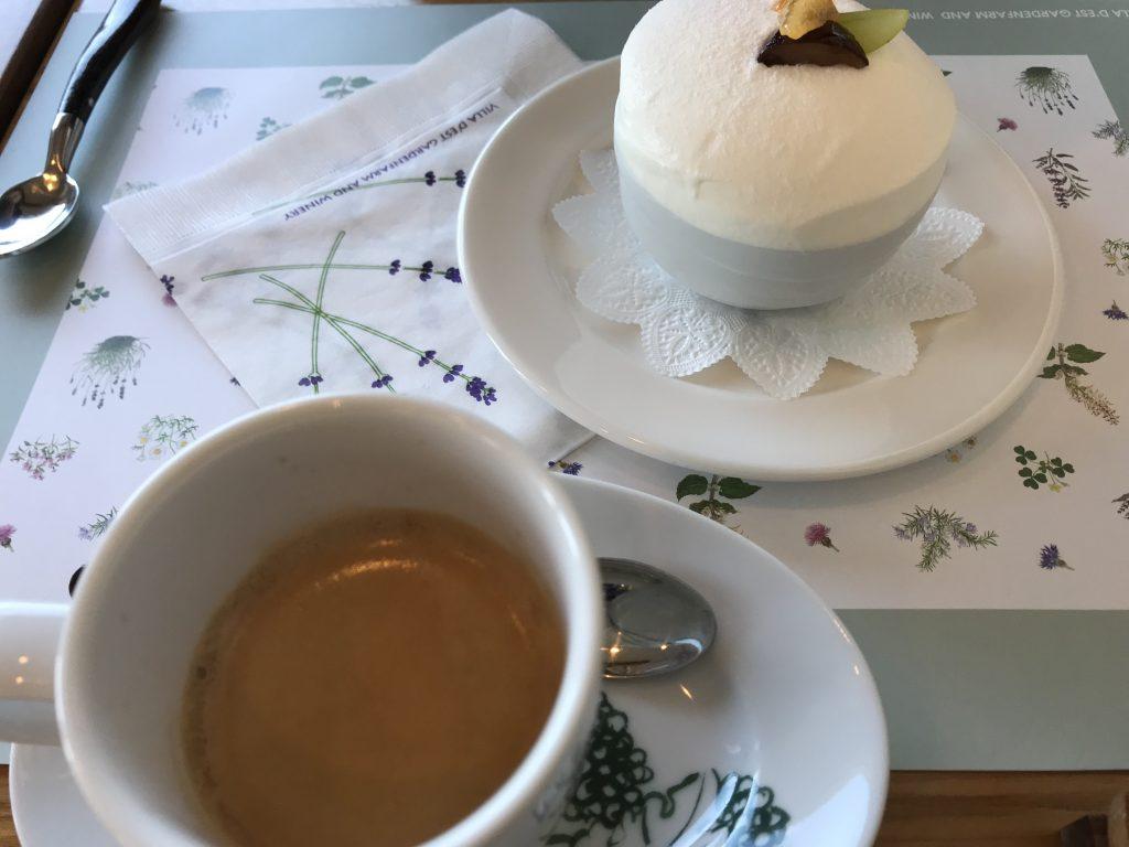 ヴィラデストワイナリーのカフェのケーキ