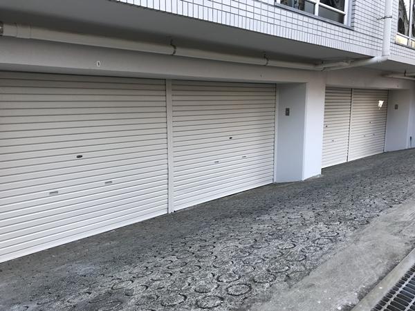 神奈川県相模原市小田急相模原の大型バイクが置ける賃貸バイクガレージ(月極)