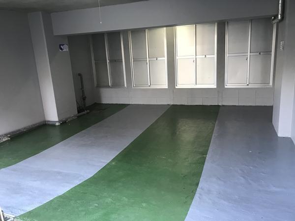小田急相模原のペット可賃貸マンションの地下バイクガレージ