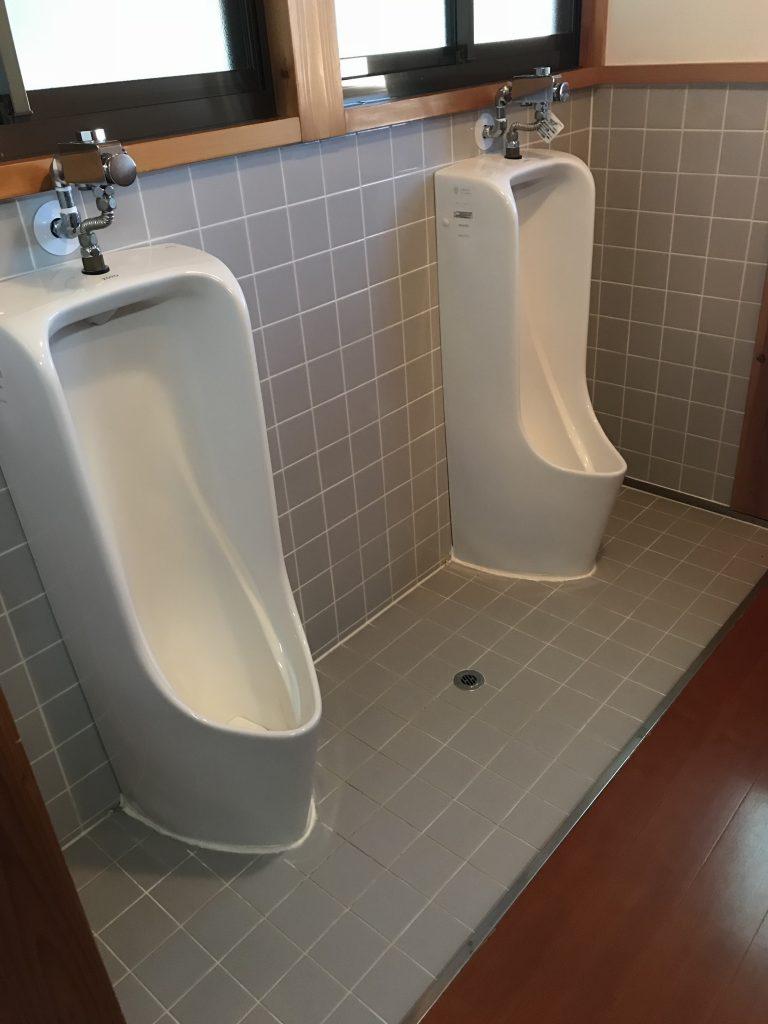 前山寺のトイレ