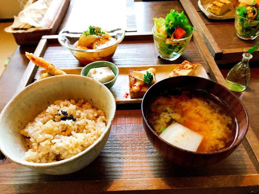 千葉県匝瑳市にある 古民家カフェ「たけおごはん」のランチ